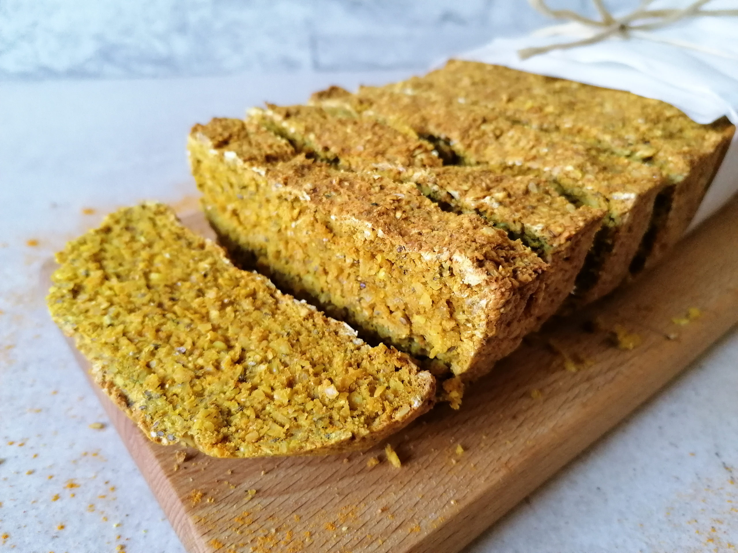 Goldenes Kurkuma Proteinbrot ohne Hefe
