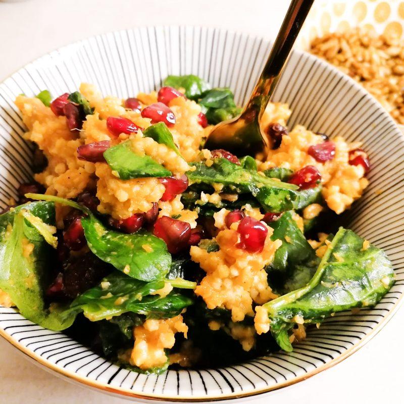 Bunter Wohlfühl-Hirsesalat mit Crunchy Curry Sonnenblumenkernen